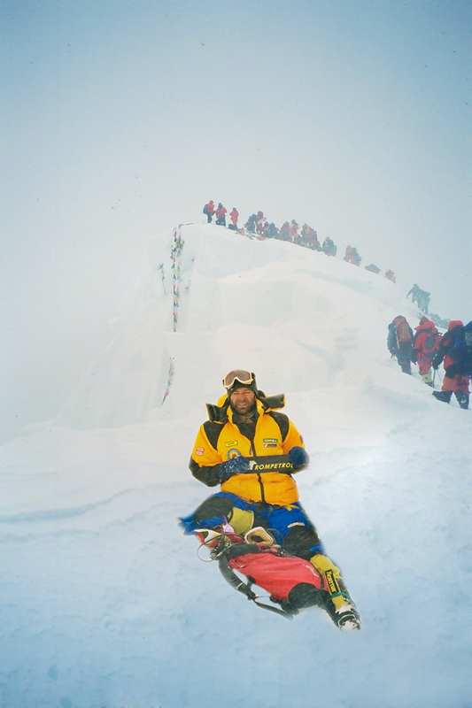 Marius Gane pe vârful Everest