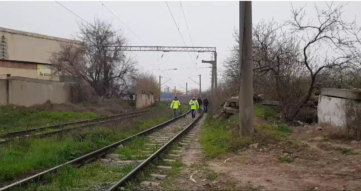 lovit de tren