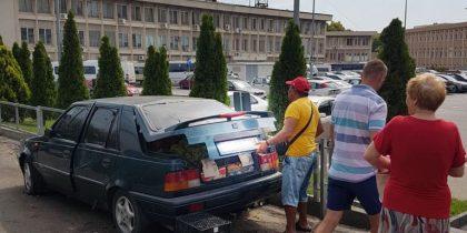 politia locala ridica o masina