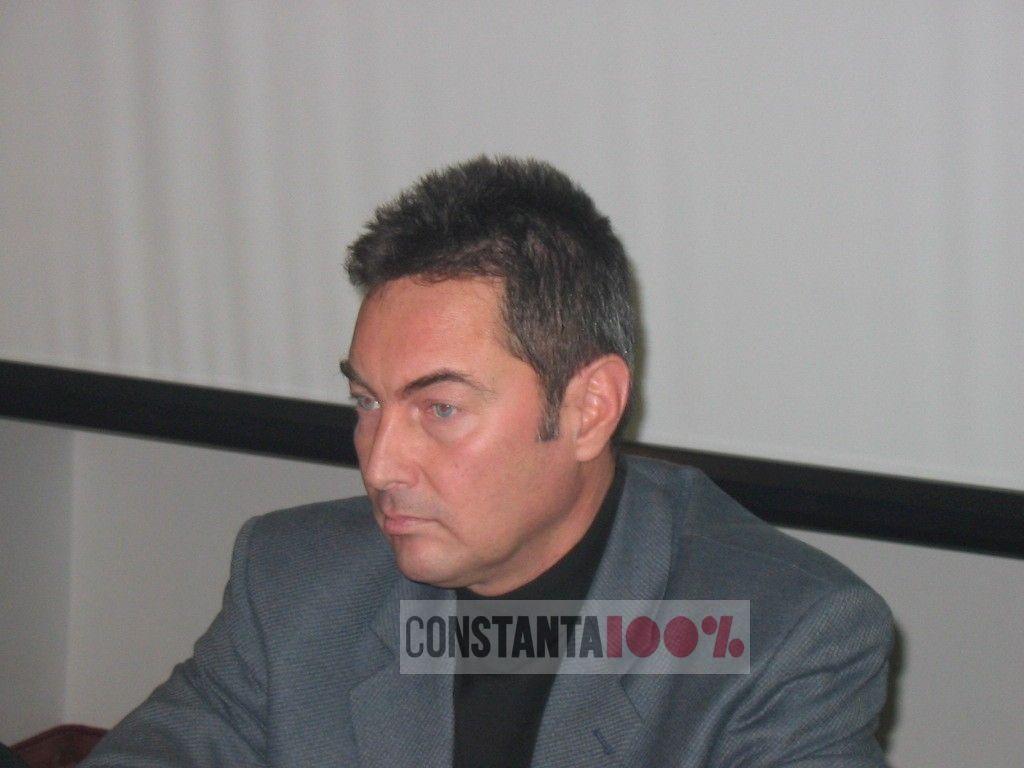 Adrian Manole