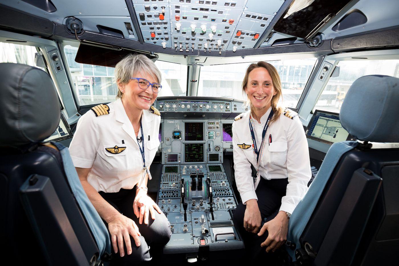 Zbor Paris – București operat de un echipaj 100% feminin, de 8 martie