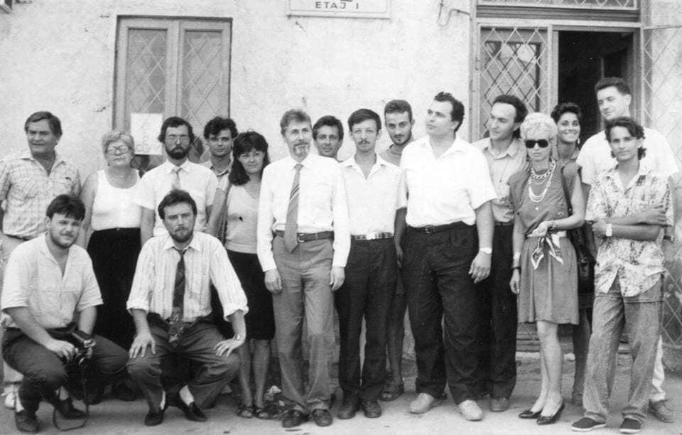 Emil Constantinescu alături de mai mulți ziariști constănțeni și Radu Mazăre, Sorin Strutinsky și Nicușor Constantinescu