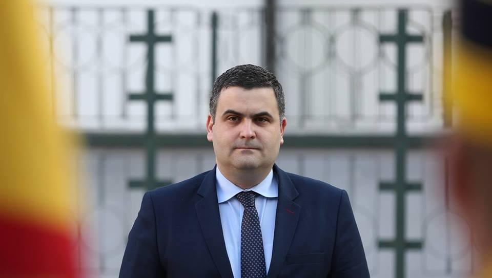 Ministrul Apărării, Gabriel Leș