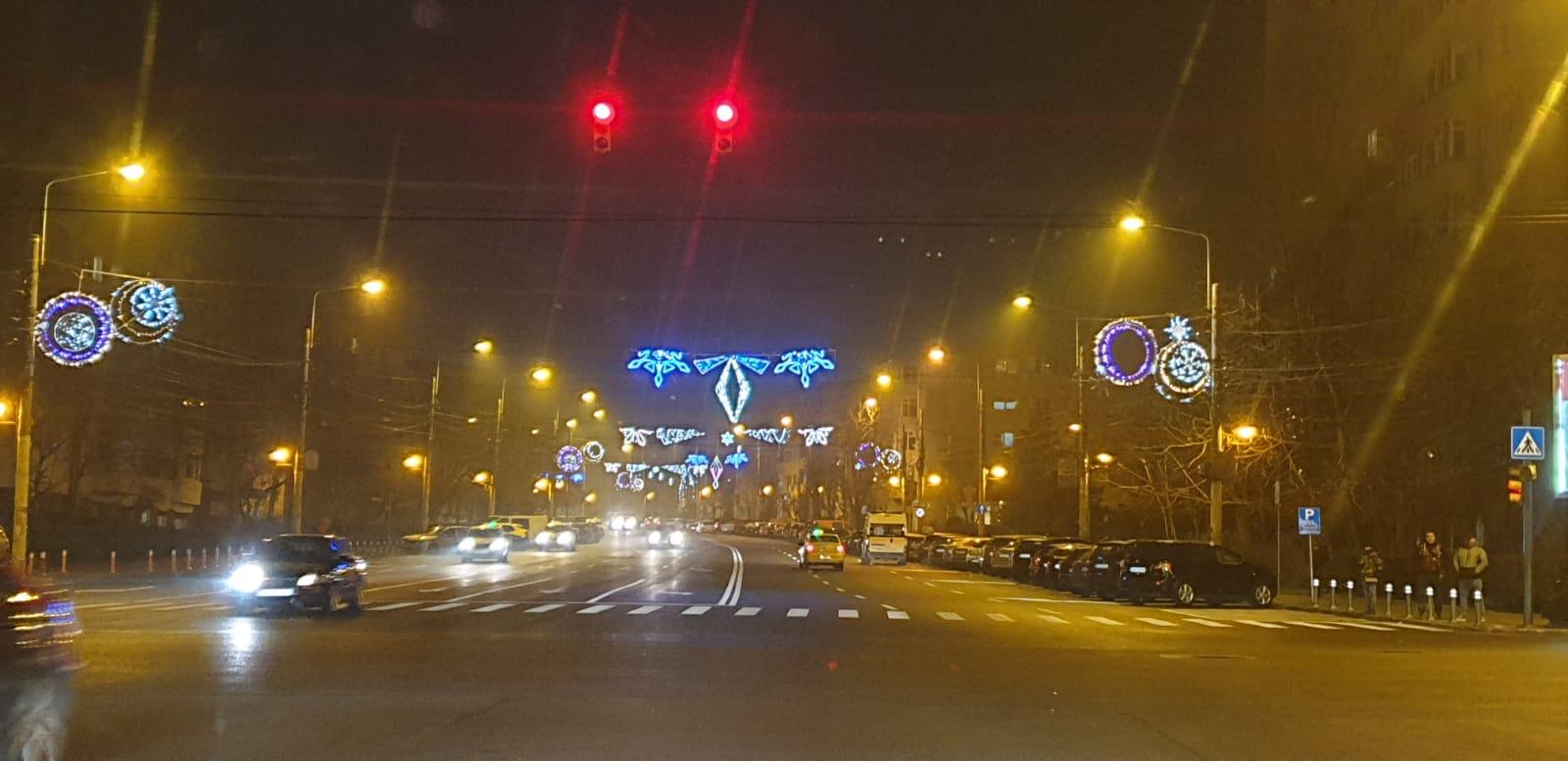 Luminițele de sărbători, aprinse și pe 15 ianuarie, în Constanța.