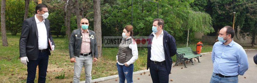 Horia Țuțuianu, președintele Consiliului Județean Constanța, în vizită la Complexul Muzeal de Științe ale Naturii, unde se va construit un nou acvariu. Alături de el, directorul CMSN, Adrian Bîlbă, și o parte din echipa de proiect