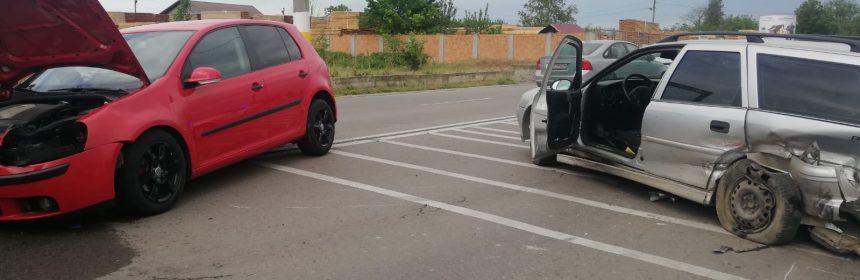 Accident în Valu lui Traian după o un șofer a tăiat linia dublă continuă