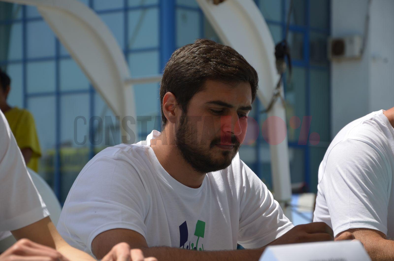 Alin Tănase, coordonator campanie Climă și Transport Durabil la Greenpeace România.