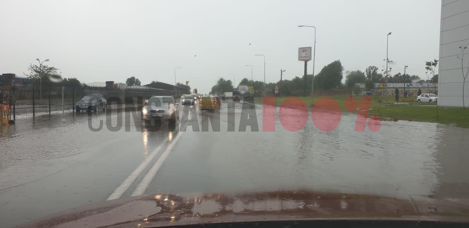 ploaie constanta inundatii