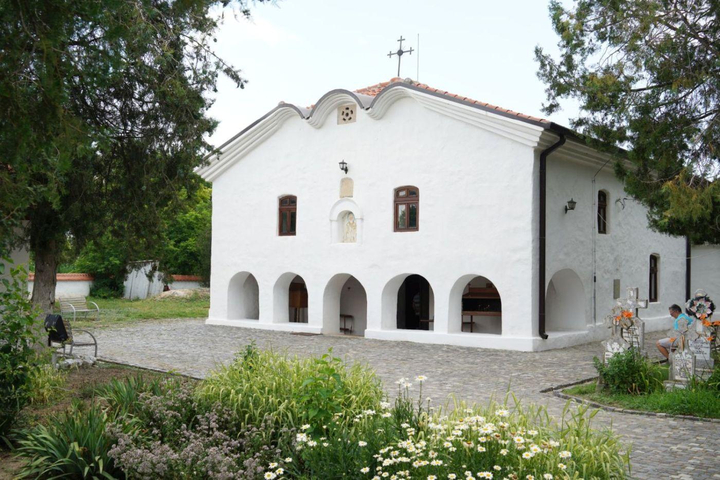 Biserica îngropată din Istria a fost construită în 1857. Din 2007 este monument istoric