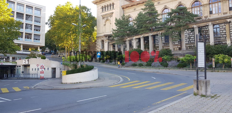 O după-amiază în Lausanne, Elveția. Sunt minute în care nu se vede nicio mașină pe străzi. Foto: Cristian Hagi