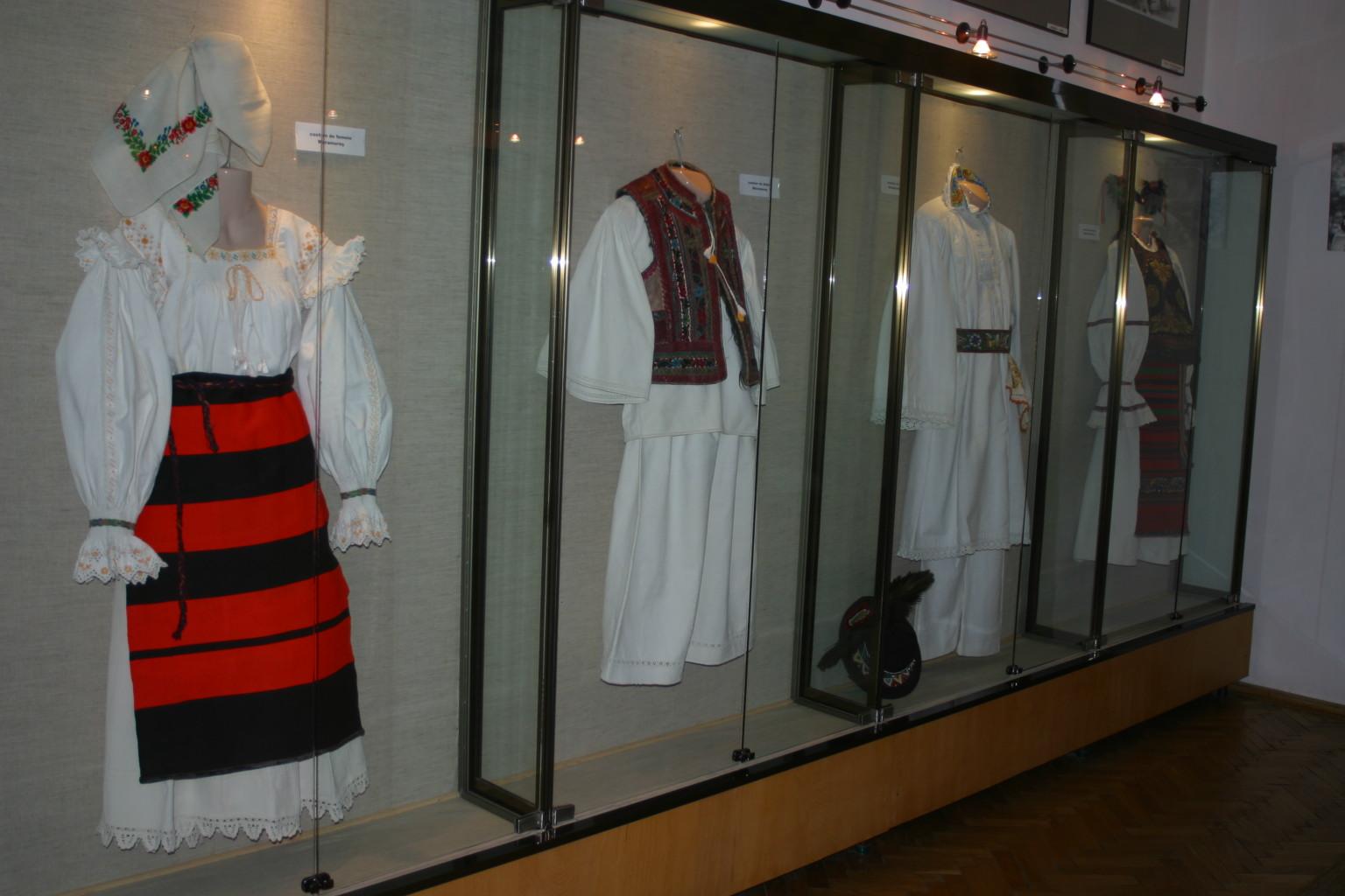 Muzeul-de-Arta-Populara-5