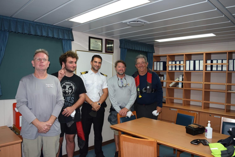 Un comandant român de navă a  salvat patru marinari în timpul furtunii tropicale Sally