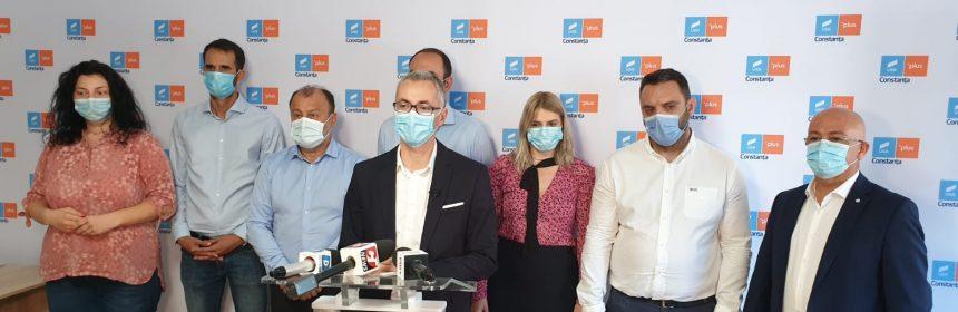 Stelian Ion și echipa de consilieri, în timpul conferinței de presă susținută în data de 2 octombrie 2020, la sediul partidului