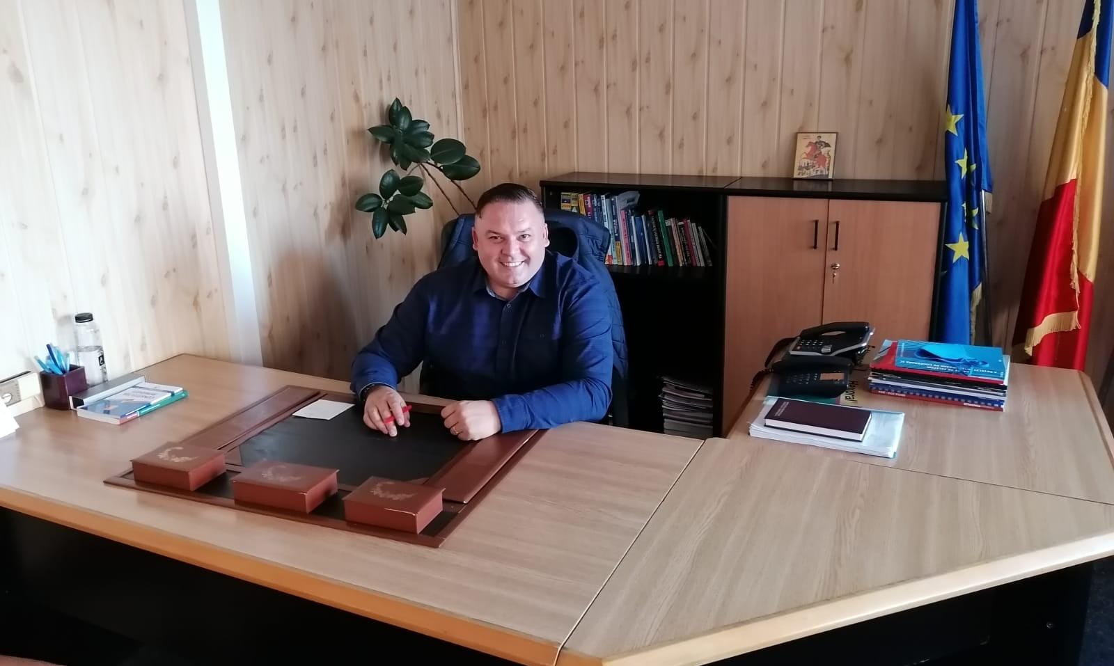 Jeanu-Dumitru-primar-Costinesti_crop