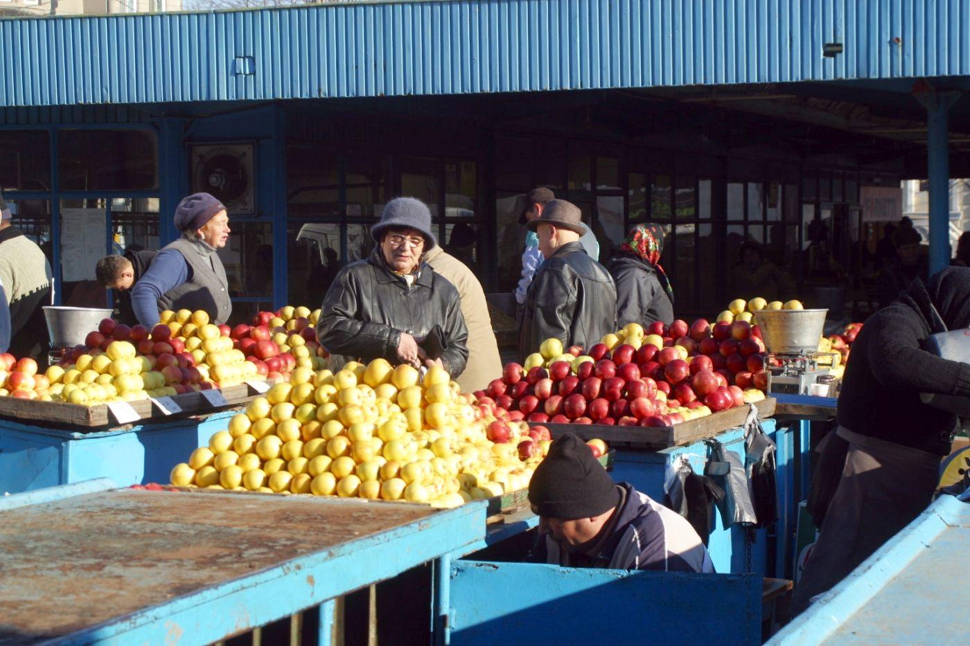 piata Grivitei - fructe
