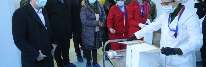 Primele vaccinuri au ajuns la Institutul Cantacuzino pe 26 decembrie. Foto: Facebook/RO-Vaccinare