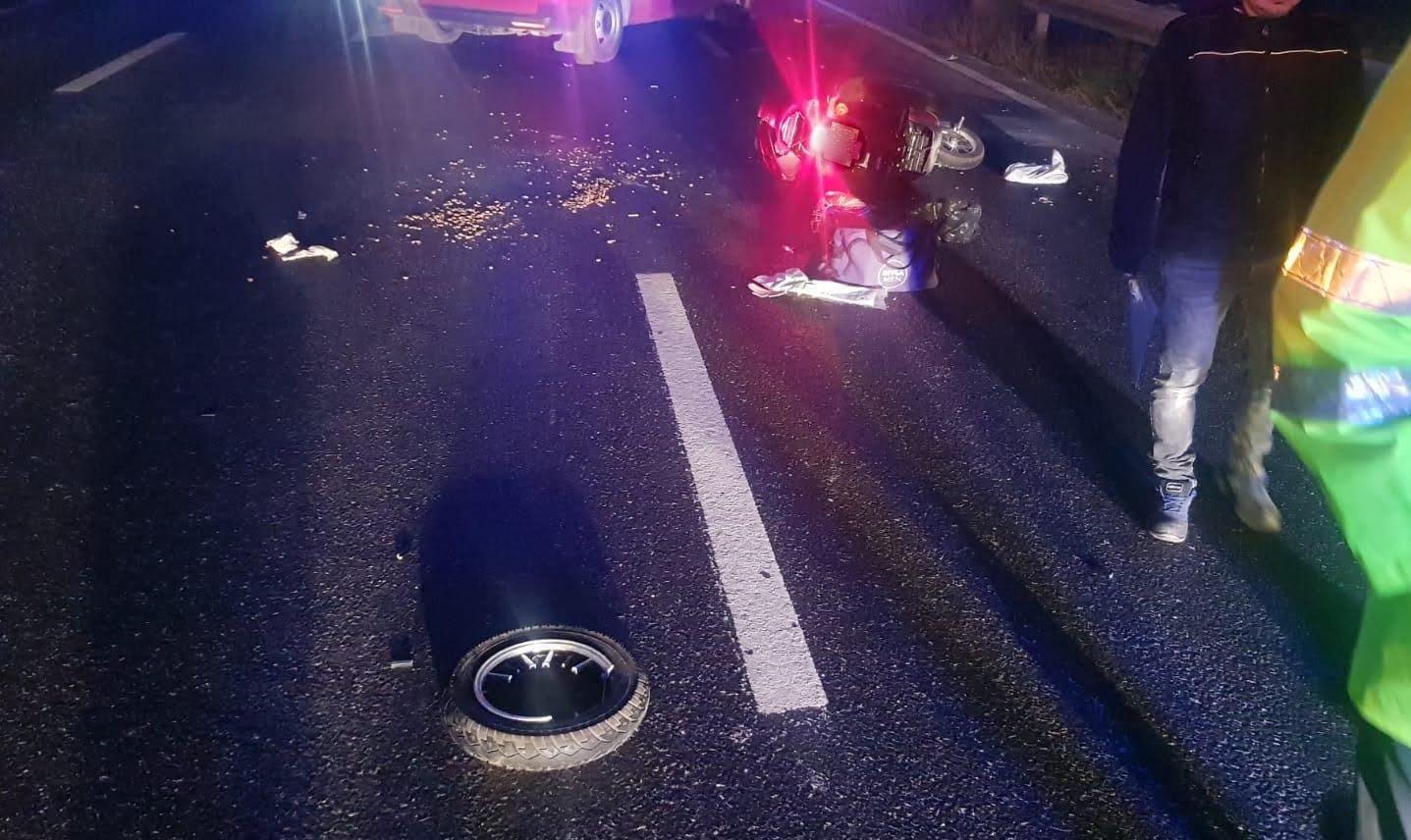 Accident între o autoutilitară și un moped pe drumul dintre Constanța și Valu lui Traian