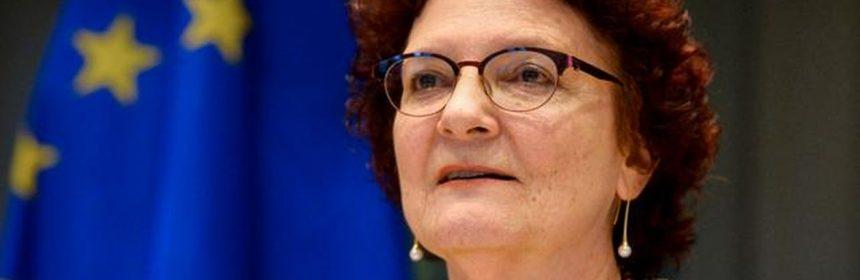 """Virusul """"pare să fie foarte bine adaptat la oameni"""" şi este """"probabil să rămână"""" în loc să dispară, spune directoarea Centrului European al Prevenţiei şi Controlului Bolilor (ECDC), Andrea Ammon, scrie AFP."""