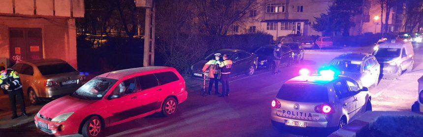 Un bărbat care nu avea permis a lovit 10 mașini