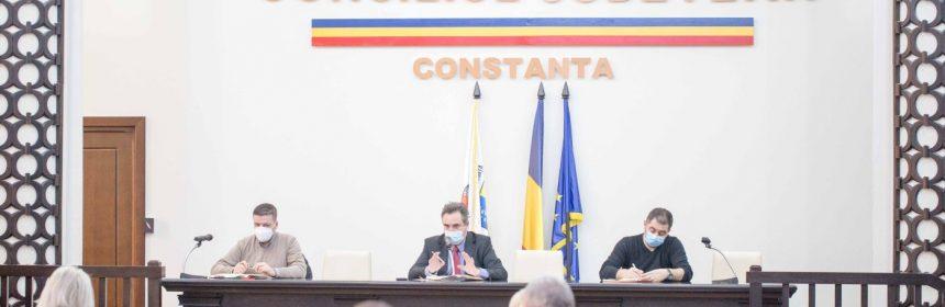 Conducerea Consiliului Județean Constanța s-a întâlnit astăzi cu toate instituțiile cu atribuții în emiterea avizelor pentru certificatele de urbanism și autorizațiile necesare derulării proiectelor mari de infrastructură.