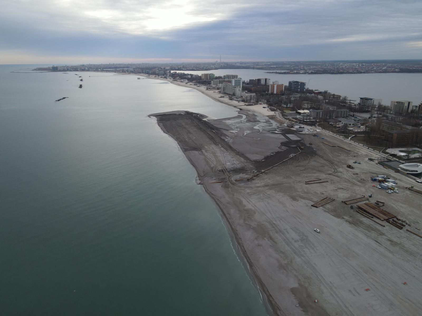 S-a reluat programul de reducere a eroziunii costiere. Imagini spectaculoase