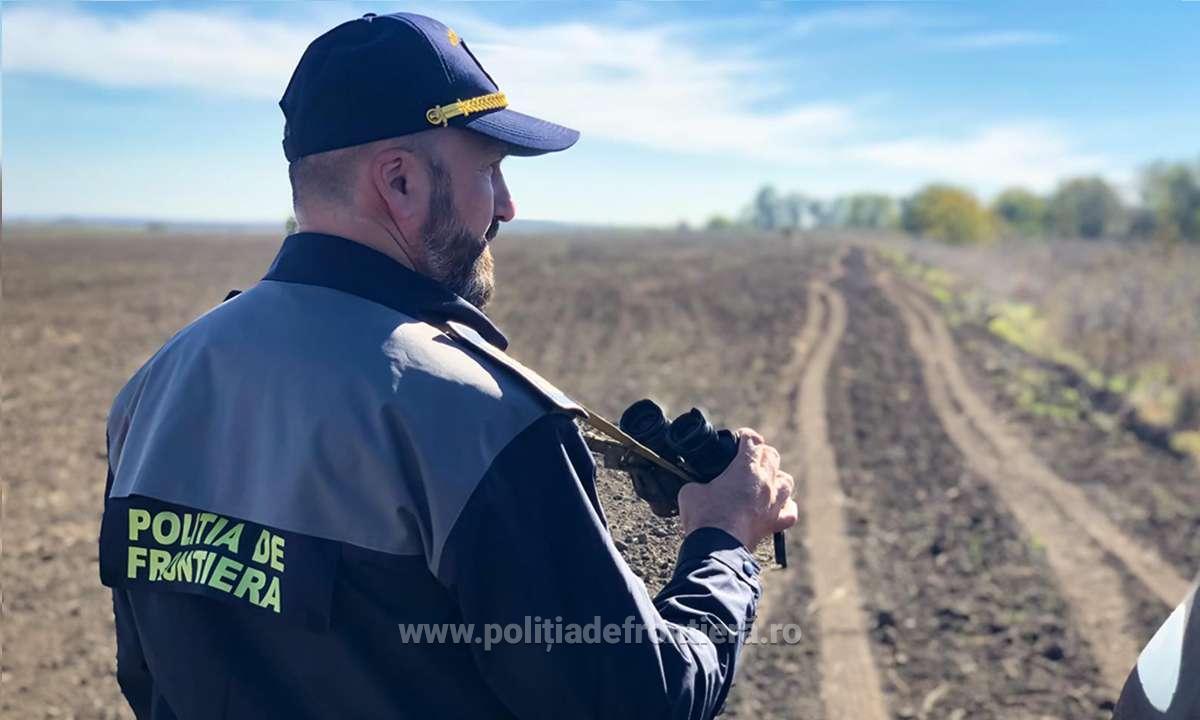 Poliţiştii de frontieră din cadrul Gărzii de Coastă au depistat, ascunși în pădure, opt cetățeni din Turcia, care au trecut ilegal frontiera în România din Republica Bulgaria.
