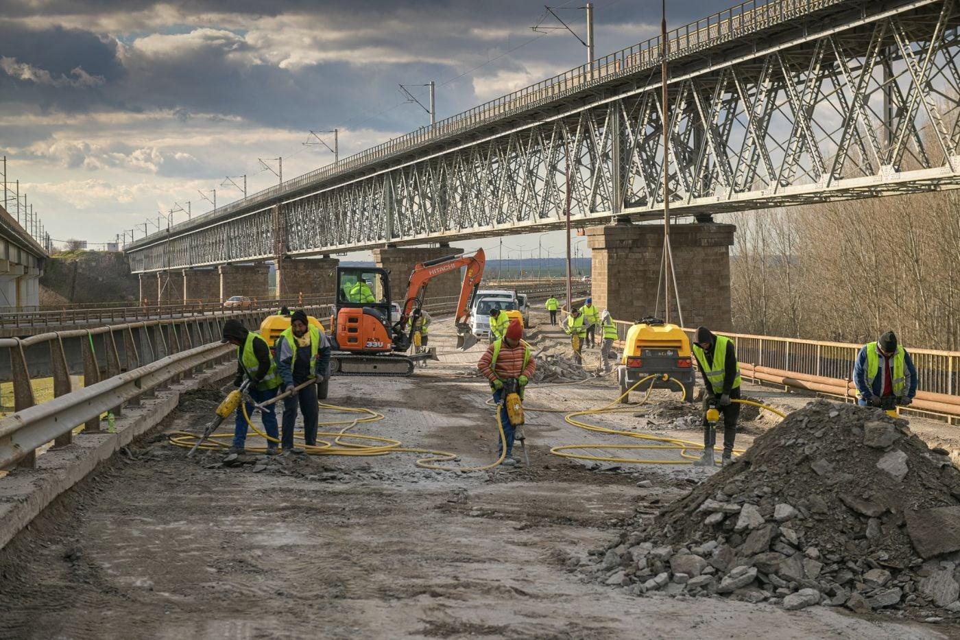 Se lucrează și la podul de la Cernavodă. Sursă foto: CNAIR