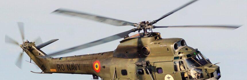 IAR-330-Naval-Puma-03