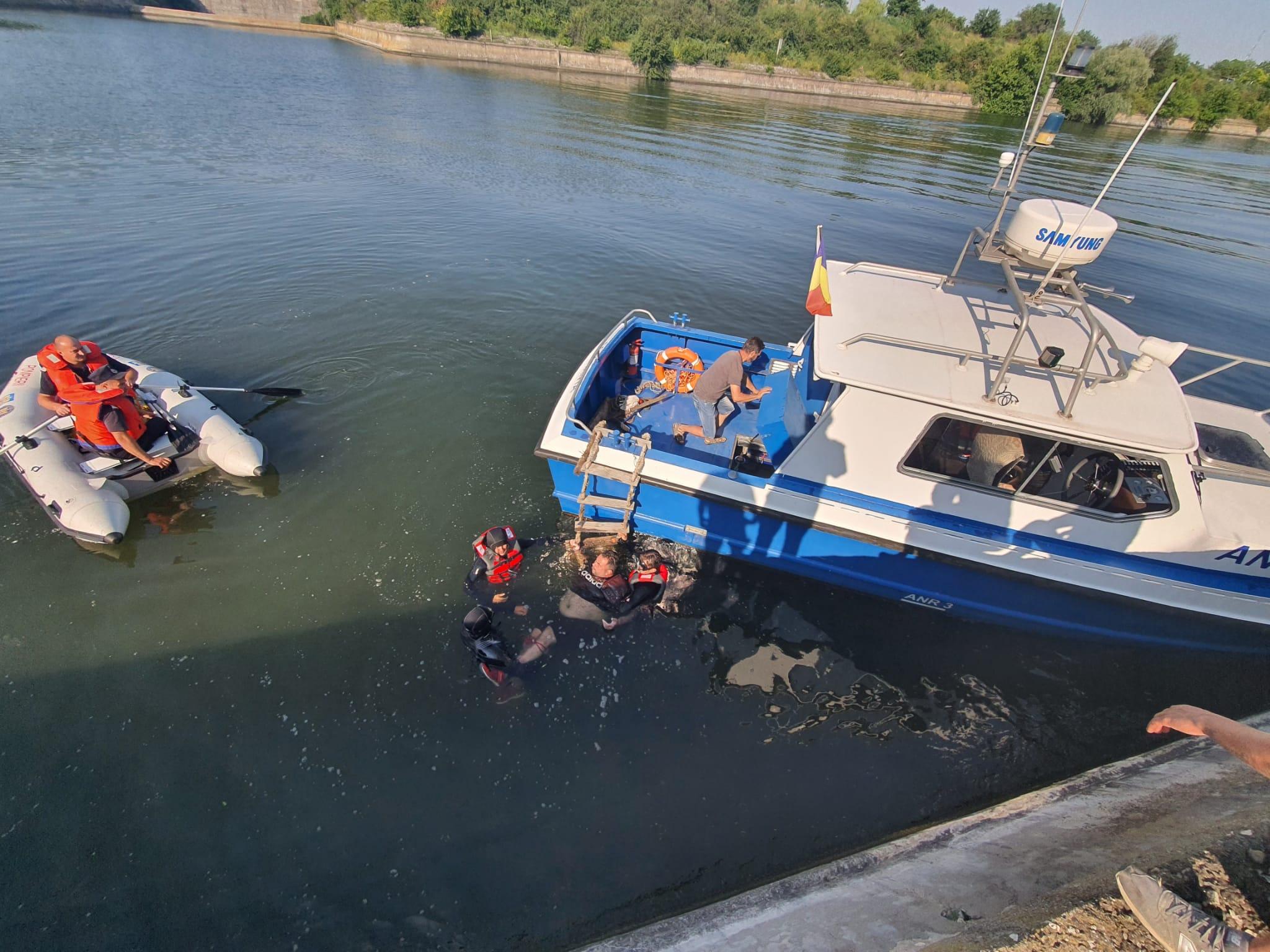 Misiune de salvare a unui bărbat care s-a aruncat în Canalul Dunăre - marea Neagră VIDEO