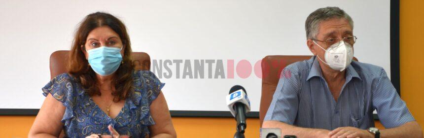 Violeta Ciucur, rectorul UMC, și Viorel Panait, președintele senatului universității, în timpul conferinței de presă organizată la sediul instituției, în data de 8 iulie 2021. Foto: Constanța 100%