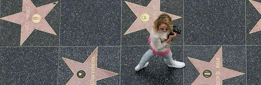 celebrul-hollywood-walk-of-fame-are-peste-2-600-de-stele-si-inca-mai-are-loc-pentru-celebritati_2_size24