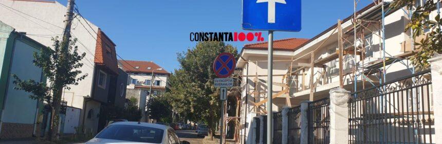 Strada Vasile Lupu din Constanța. Oprirea este interzisă, cu excepția riveranilor